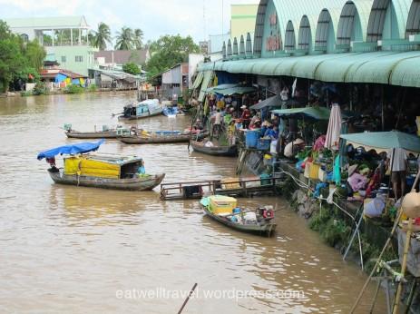 Le marché de Phung Hiep